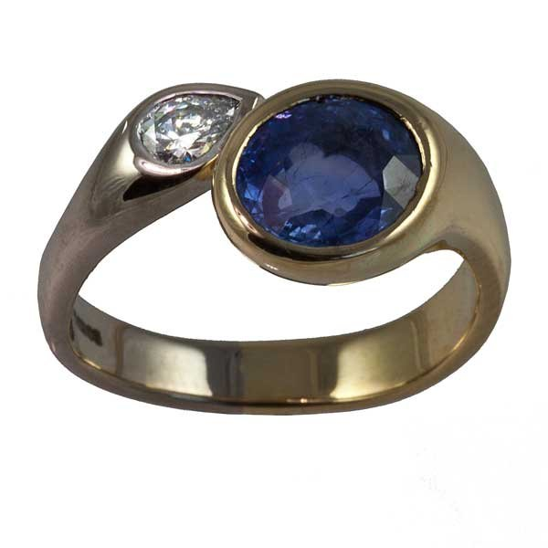 18ct yellow and white gold tanzanite and diamond ring
